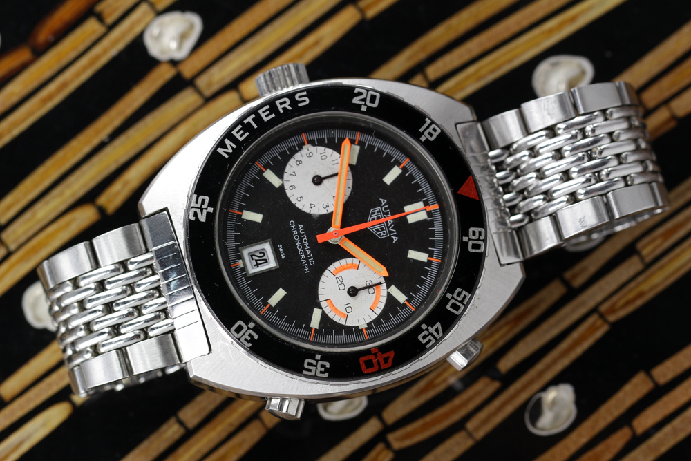 "This rare version of the Autavia has a ""decompresion"" bezel, to allow a diver to safely return to the surface."